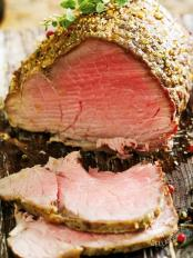 Roast-beef aromatico in crosta di pepe