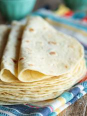 Tortillas di farina fatte in casa